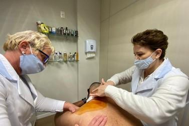 Saiba como tratar os pelos encravados e prevenir as manchas escuras na pele