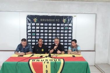 Waguinho Dias é oficialmente apresentado no Brusque FC