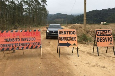 Estrada da Fazenda e rua Pedro Fantoni passam por obras nesta segunda-feira (25)