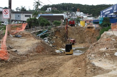 Saiba como estão as obras de reconstrução da ponte do Guarani