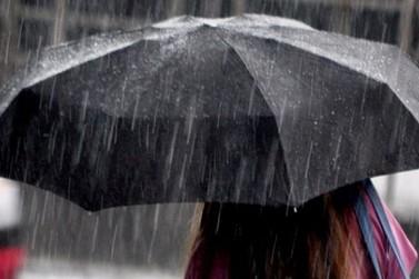 Após chuvas de domingo, Defesa Civil de Brusque está em estado de alerta