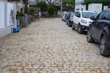 Ruas do bairro São Luiz recebem pavimentação