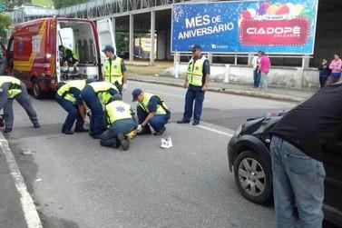 Duas mulheres são atropeladas no centro de Brusque