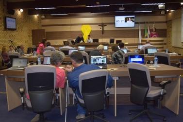 Crise política ganha destaque na sessão da Câmara Municipal de Brusque