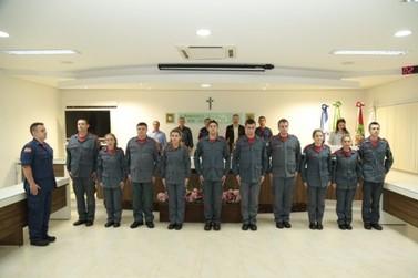 Dez bombeiros comunitários são promovidos em Guabiruba