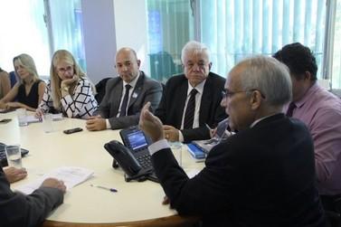 Em Brasília, prefeito e vice de Brusque buscam soluções para prédio da UPA