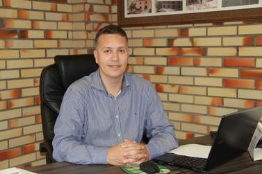 Jean Pirola retorna à presidência da Câmara Municipal