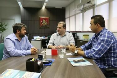 Líder do governo de Paegle, Deivis Jr. vai a Florianópolis para viabilizar reforma do Zoobotânico