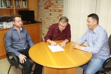 Nilson Pereira assume lugar na Câmara de Vereadores