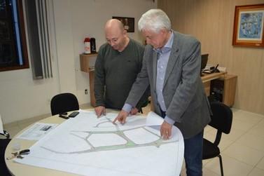 Prefeito e vice de Brusque entregarão projeto de nova ponte à Michel Temer