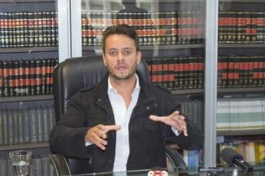 Roberto Prudêncio Neto reassume prefeitura após decisão jucidial