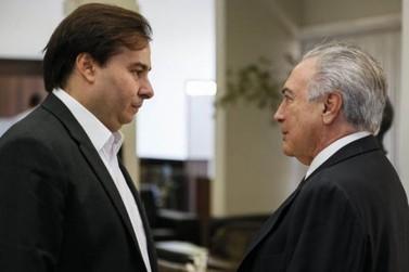 Temer e Rodrigo Maia discutem reforma da Previdência durante reunião no Alvorada
