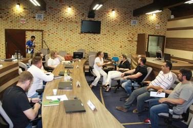 Vereadores de Brusque comprometem-se a ajudar Institutos Anjos do Peito