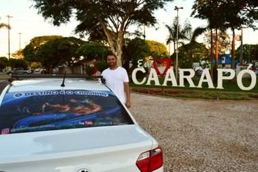 Carapoenses realizam o sonho de ter um carro home, um VoyageHome.