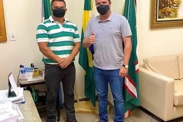 Prefeito de Caarapó assina Termo de Adesão Programa Escolas Cívico-militares