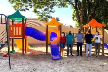 Todos os Cmeis de Caarapó foram contemplados com playgrounds novos