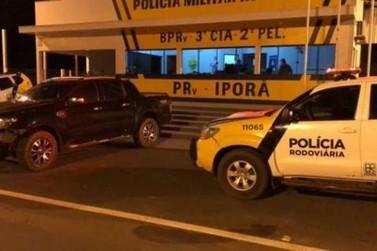 Após troca de tiros, caminhonete é recuperada pela polícia na PR-323