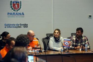Cida Borghetti confirma liberação do trânsito de combustíveis no Paraná