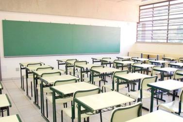 Com a greve, aulas das redes municipal e estadual de Cruzeiro estão suspensas