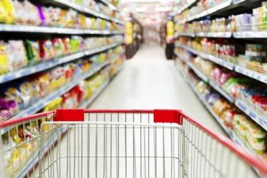 Mercadorias já começam a faltar nos supermercados de Cruzeiro