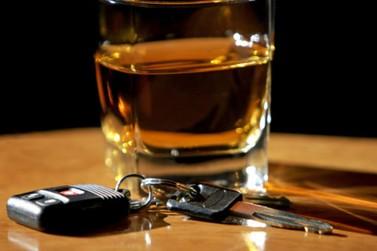 Homem sem CNH e embriagado é preso dirigindo na PR-323 em Cruzeiro