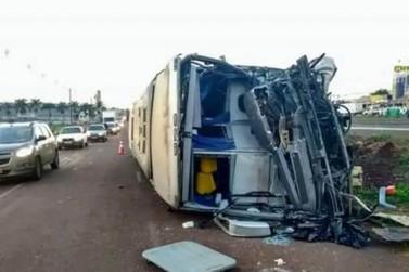Pacientes de Cruzeiro estavam em ônibus que sofreu grave acidente em Marialva