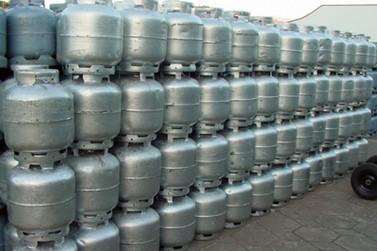 Petrobras aumenta preço do gás de cozinha em 4,4% nas refinarias