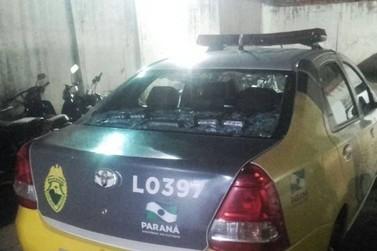 Homem é preso após agredir esposa e quebrar vidro de viatura