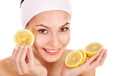Como remover manchas de acne do rosto?