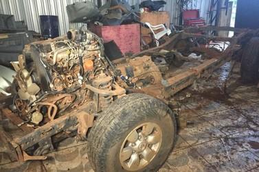 Grupo suspeito de desmanchar caminhonetes roubadas é preso em Umuarama
