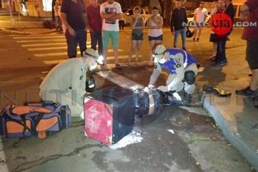 Colisão entre carro e moto deixa entregador gravemente ferido em Cianorte