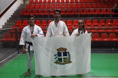 Alunos do Karatê Piá no Esporte conquistam medalhas em campeonato internacional