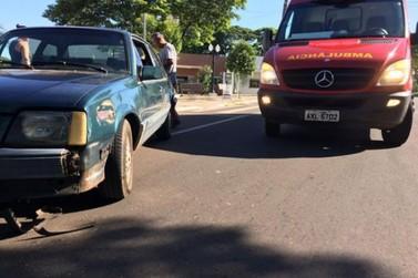 Motociclista fica ferido após colisão em frente ao Cemitério em Umuarama