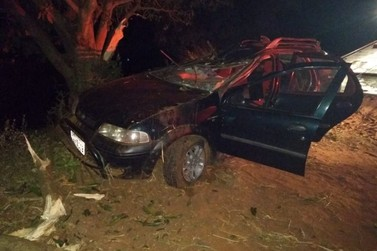Três pessoas ficam feridas após grave acidente na PR-082