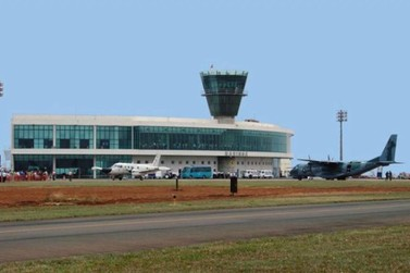 Aeroporto de Maringá abre concurso com salários até R$ 5,7 mil