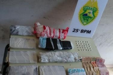 Homem é preso com drogas e celulares embalados no Sonho Meu II, em Umuarama