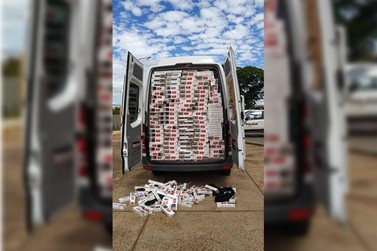 PM apreende van carregada com cigarros contrabandeados em Umuarama