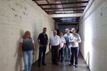 Bispo Dom João Mamede Filho visita Penitenciária de Cruzeiro do Oeste