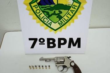 PM aprende 3 armas de fogo durante cumprimento de mandados em Cruzeiro do Oeste
