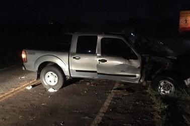 Polícia encontra carro carregado com contrabando após acidente em Pérola