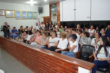 Vereadores votam e denúncia contra Prefeita Helena é rejeitada