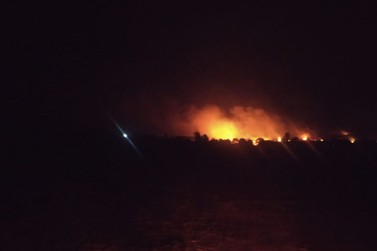 Bombeiros chegam às propriedades do Bairro Boa Vista onde pediram socorro