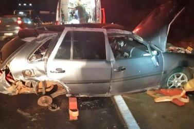 Cinco pessoas ficam feridas após acidente entre dois carros, em Ubiratã