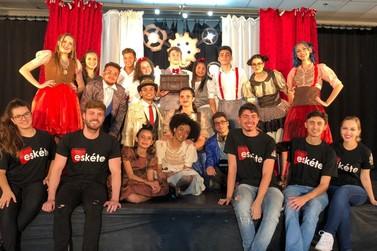 Cia de Teatro Eskéte recebe Premiação  em Festival e orgulha a Cruzeiro do Oeste