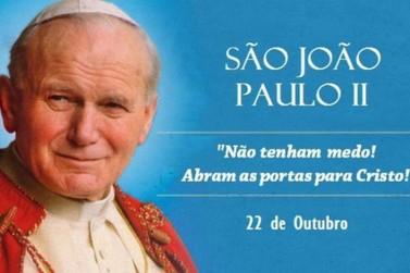 Hoje, 22 de outubro, igreja está celebrando São João Paulo II, o Papa da família