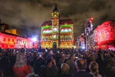 Festas de Natal já iluminam muitas cidades do Paraná