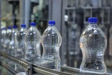 12 mil litros de álcool 70% serão doados para as escolas estaduais
