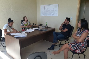 Em reunião com ACICO, prefeita reforça que seguirá o Decreto Municipal