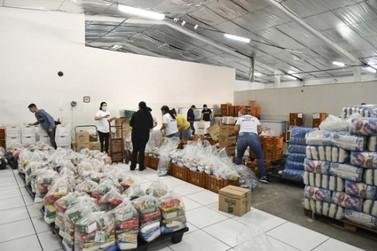Famílias de alunos da rede municipal receberão cestas de alimentos