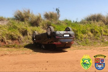 Após capotar, veículo é apreendido com carga de agrotóxico em Nova Olímpia